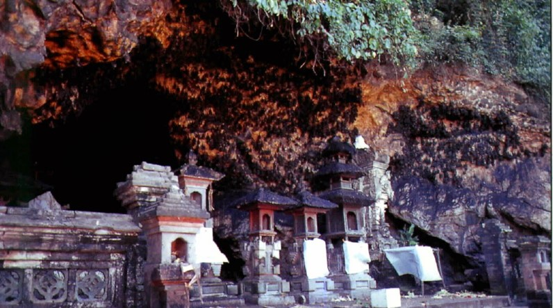 Day Trip with Bali Driver to Beautiful Taman Ujung Water Palace 4