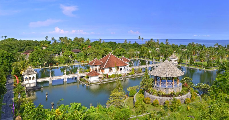Take a Day trip to Lempuyang Temple with Bali Cab Driver 4