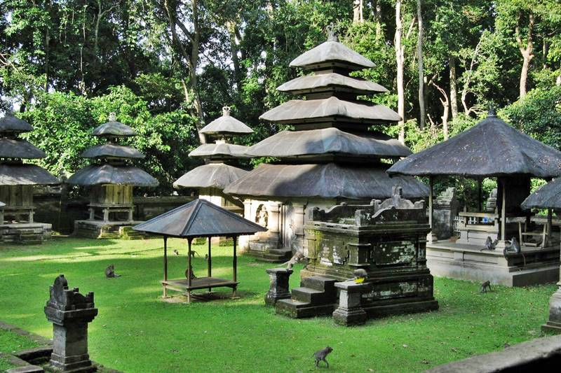 Complete Your Tanah Lot Tour by Visiting Alas Kedaton Monkey Forest 4