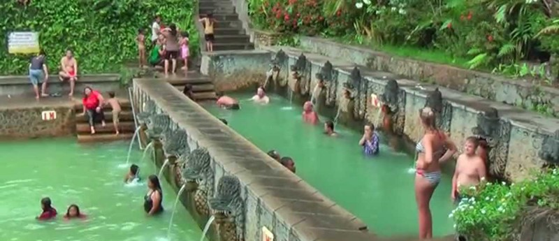 Enjoy Water Spring of Banjar Hot Spring in Bali 3