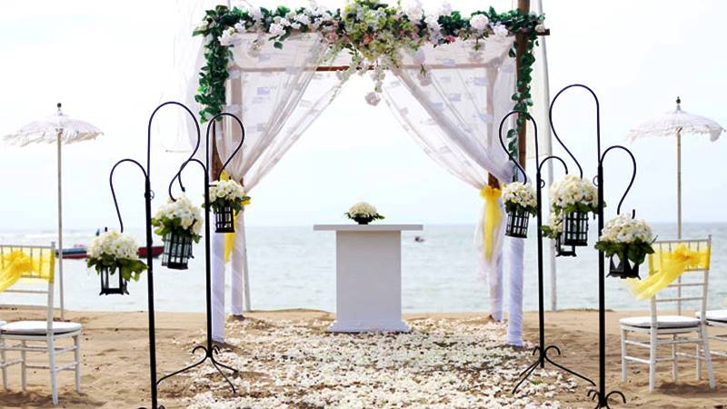 Bali Cab Driver's Tips for Beach Wedding Planning 3