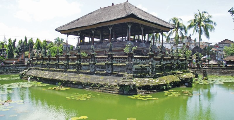 Travel with English Bali Driver To East Bali Edelweis Park 5
