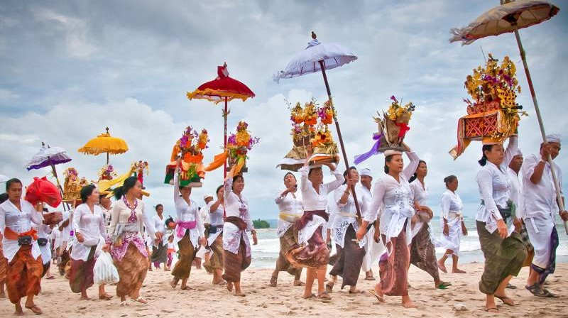 Spend One Day at Kuta Beach with Bali Local Driver 5