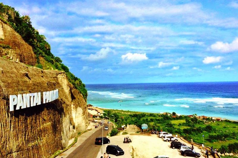 Afternoon meet Bali Cab Driver at Bali airport and going to Uluwatu Cliff Temple 4