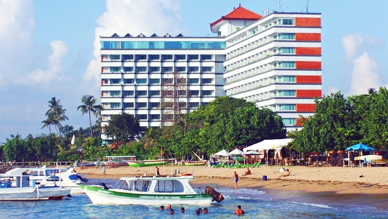 Spend a Lazy Day at Sanur Beach with Bali Best Driver 3