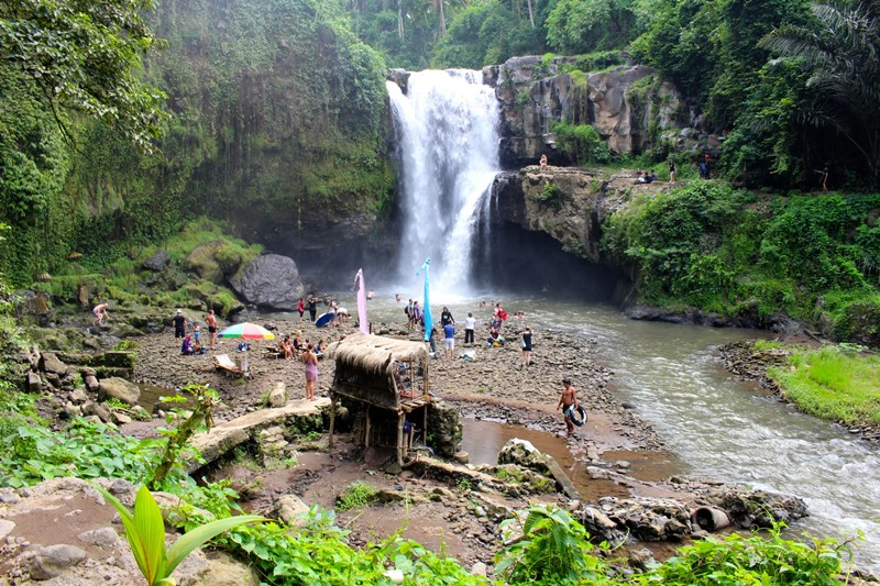 Day trip to Tegenungan Waterfall with Bali Cab Driver Services 2