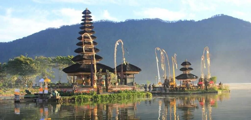 A Journey to the Lake Temple of Fertility-Ulun Danu with Private Bali Driver 2