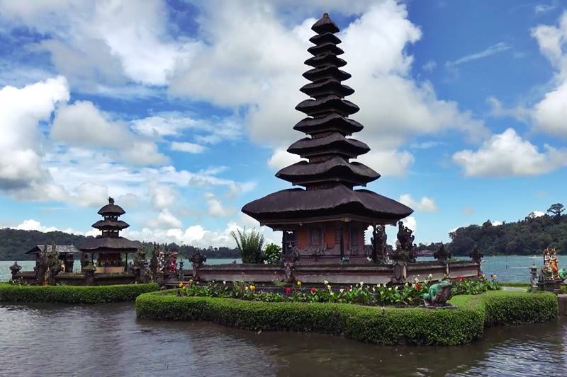 The Beautiful Water Temple of Ulun Danu Bratan in Bedugul 2